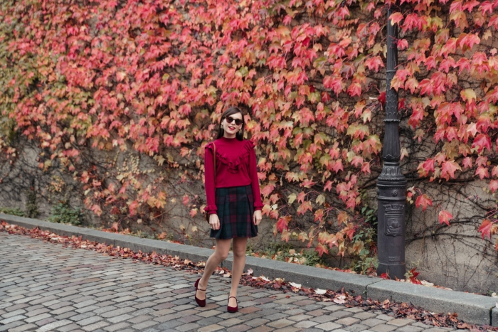 Blog-Mode-And-The-City-Looks-Mur-de-Feuilles-Montmartre-6