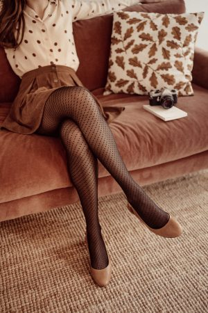 Comment bien choisir ses collants ? - Daphné Moreau - Mode and The City