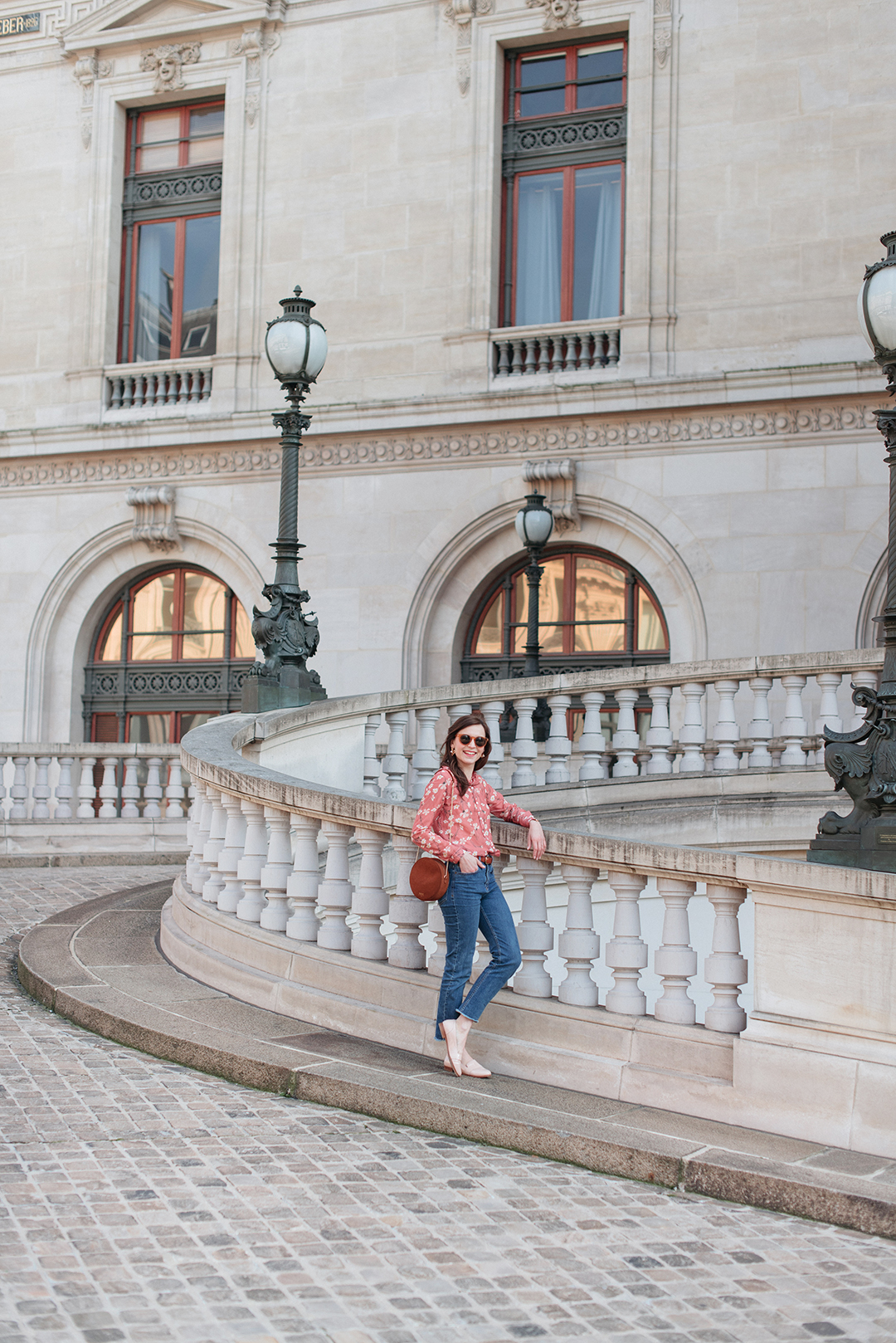 Blog-mode-And-The-City-Lifestyle-Looks-Chemisier-Fleurs-Palais-Garnier-3