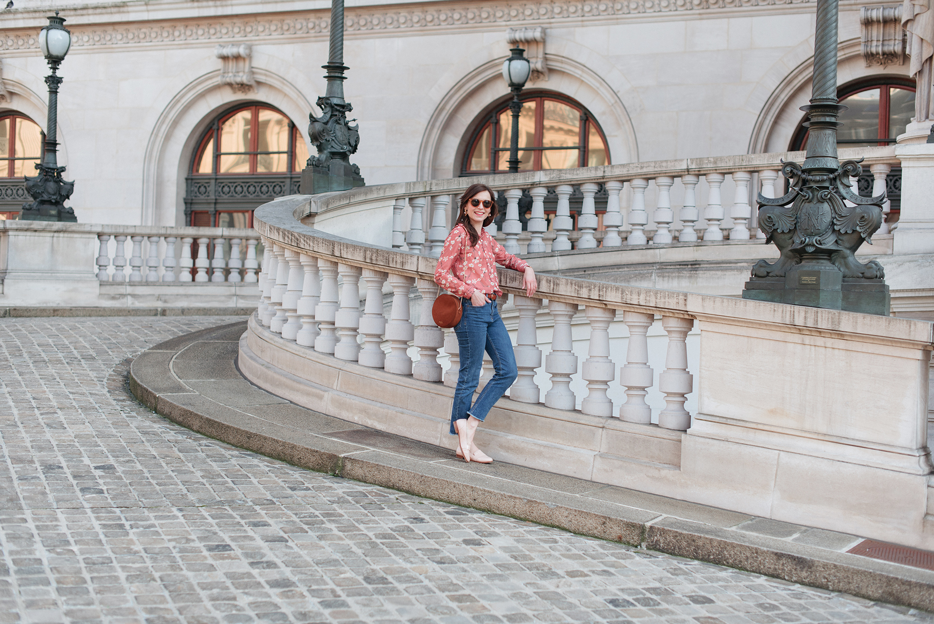 Blog-mode-And-The-City-Lifestyle-Looks-Chemisier-Fleurs-Palais-Garnier-4