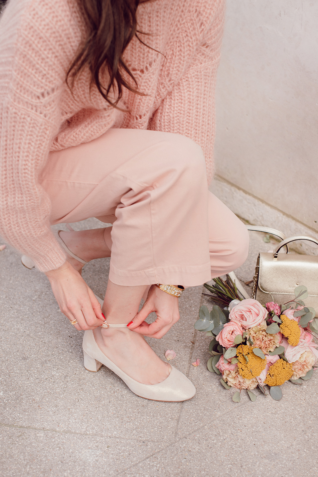 Blog-Mode-And-the-City-Looks-tout-en-rose-sezane-4