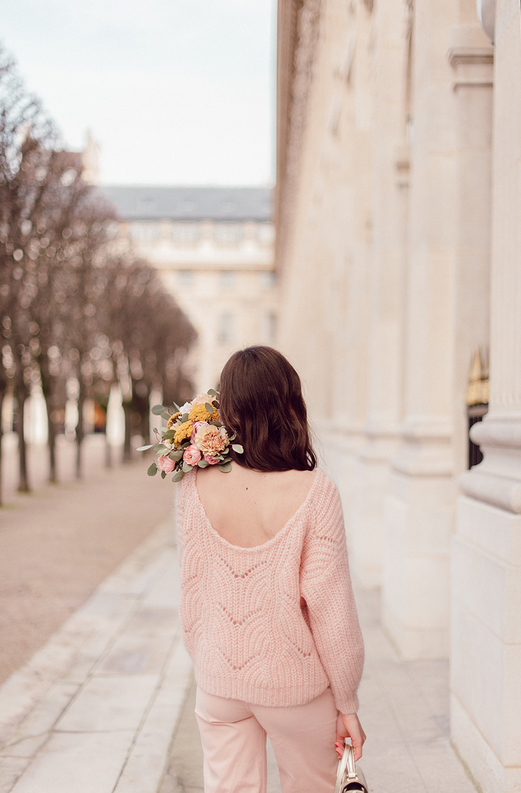 Blog-Mode-And-the-City-Looks-tout-en-rose-sezane-5