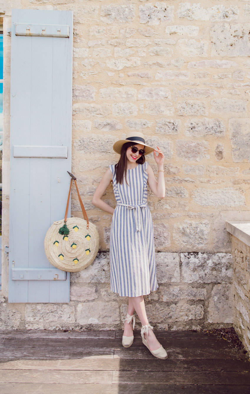 Blog-Mode-And-The-City-Looks-Weekend-Bourgogne-Sezane-Robe-rayee-10