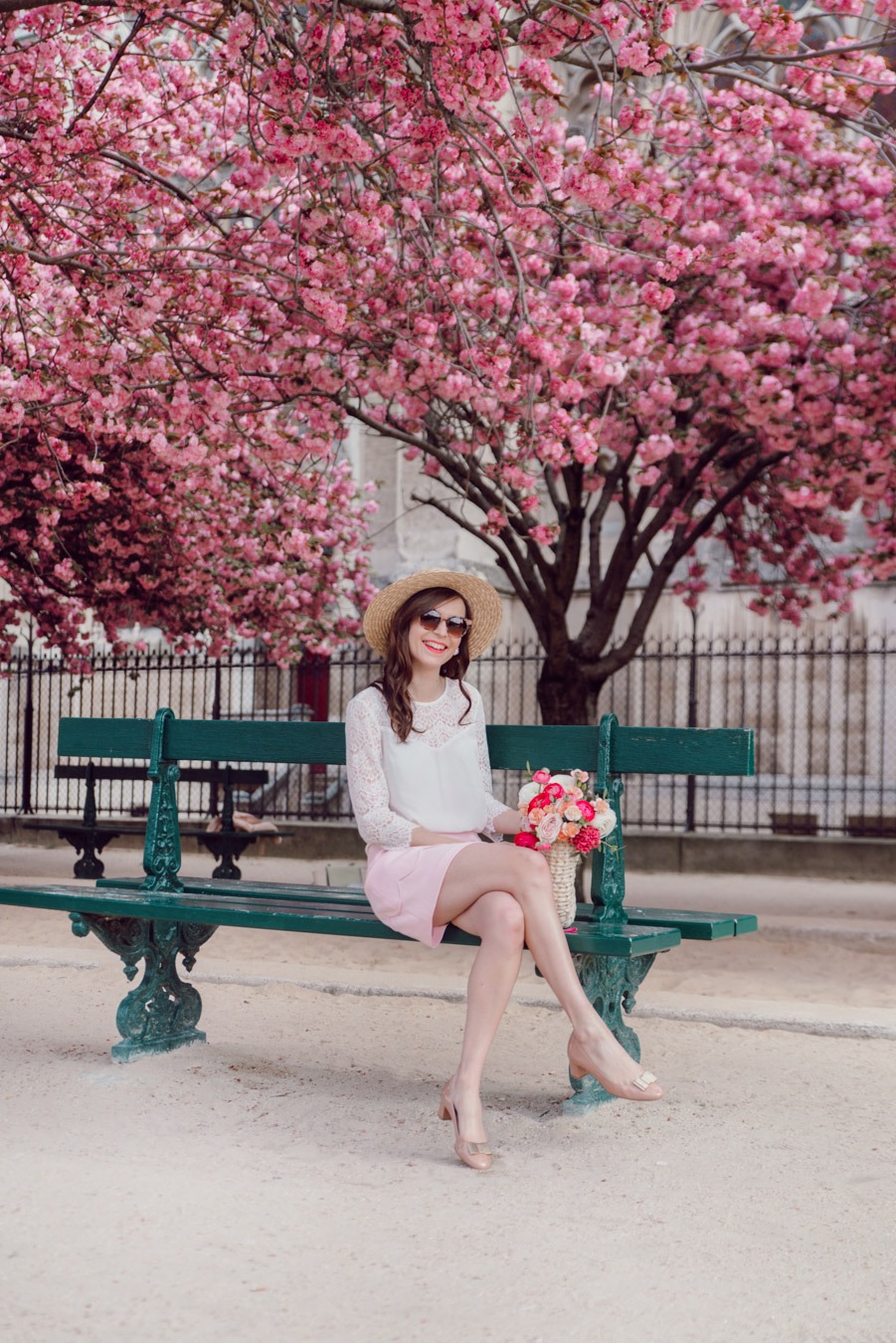 Blog-Mode-And-The-City-Looks-Notre-Dame-arbre-en-fleurs-10