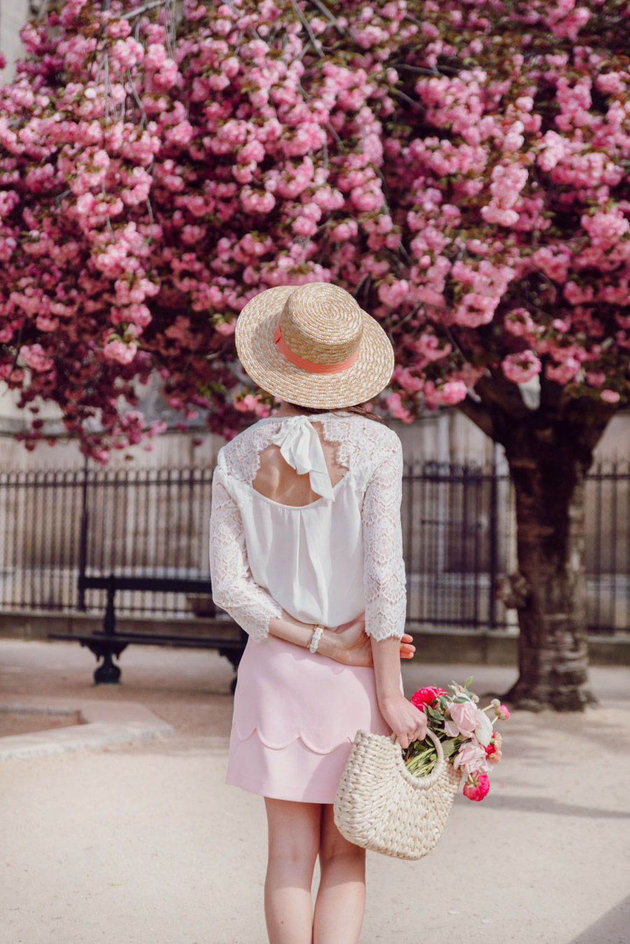 Blog-Mode-And-The-City-Looks-Notre-Dame-arbre-en-fleurs-5