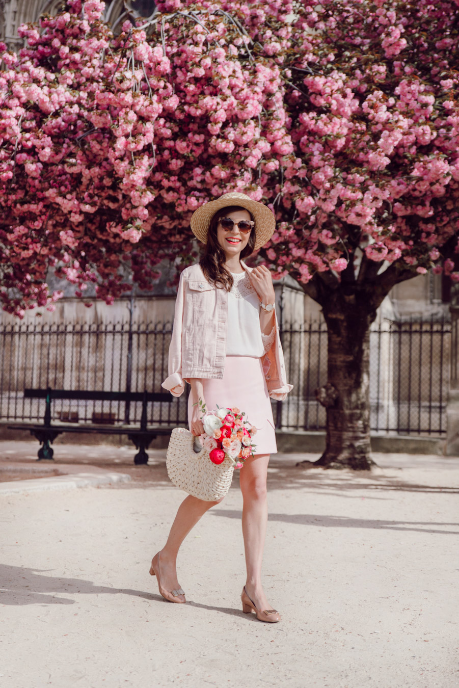 Blog-Mode-And-The-City-Looks-Notre-Dame-arbre-en-fleurs-6