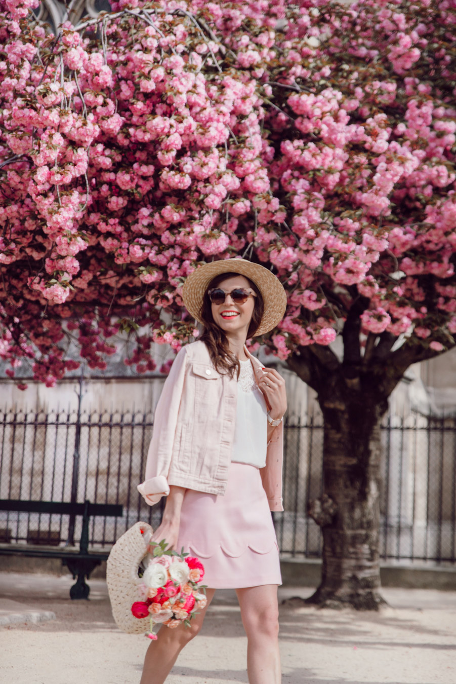 Blog-Mode-And-The-City-Looks-Notre-Dame-arbre-en-fleurs-7