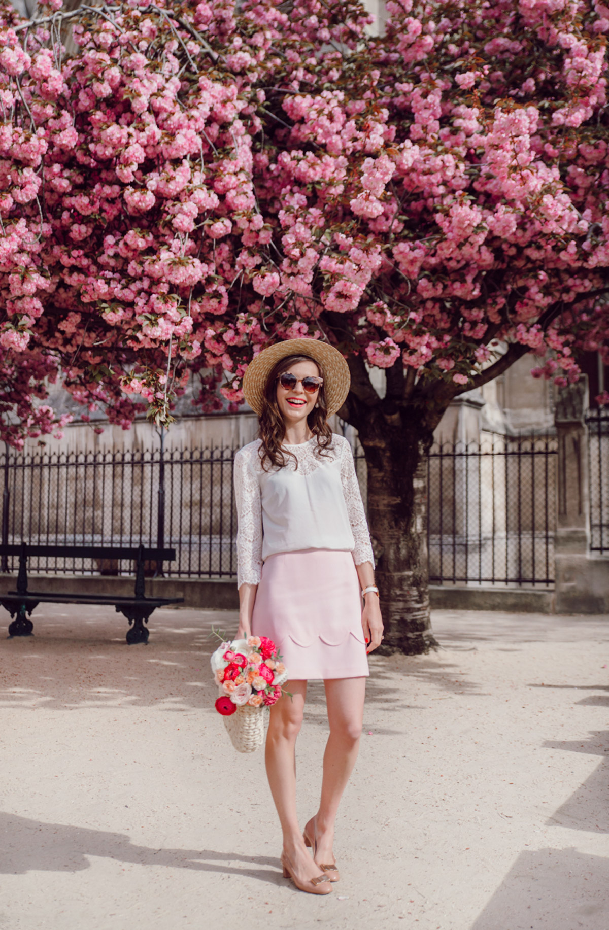 Blog-Mode-And-The-City-Looks-Notre-Dame-arbre-en-fleurs