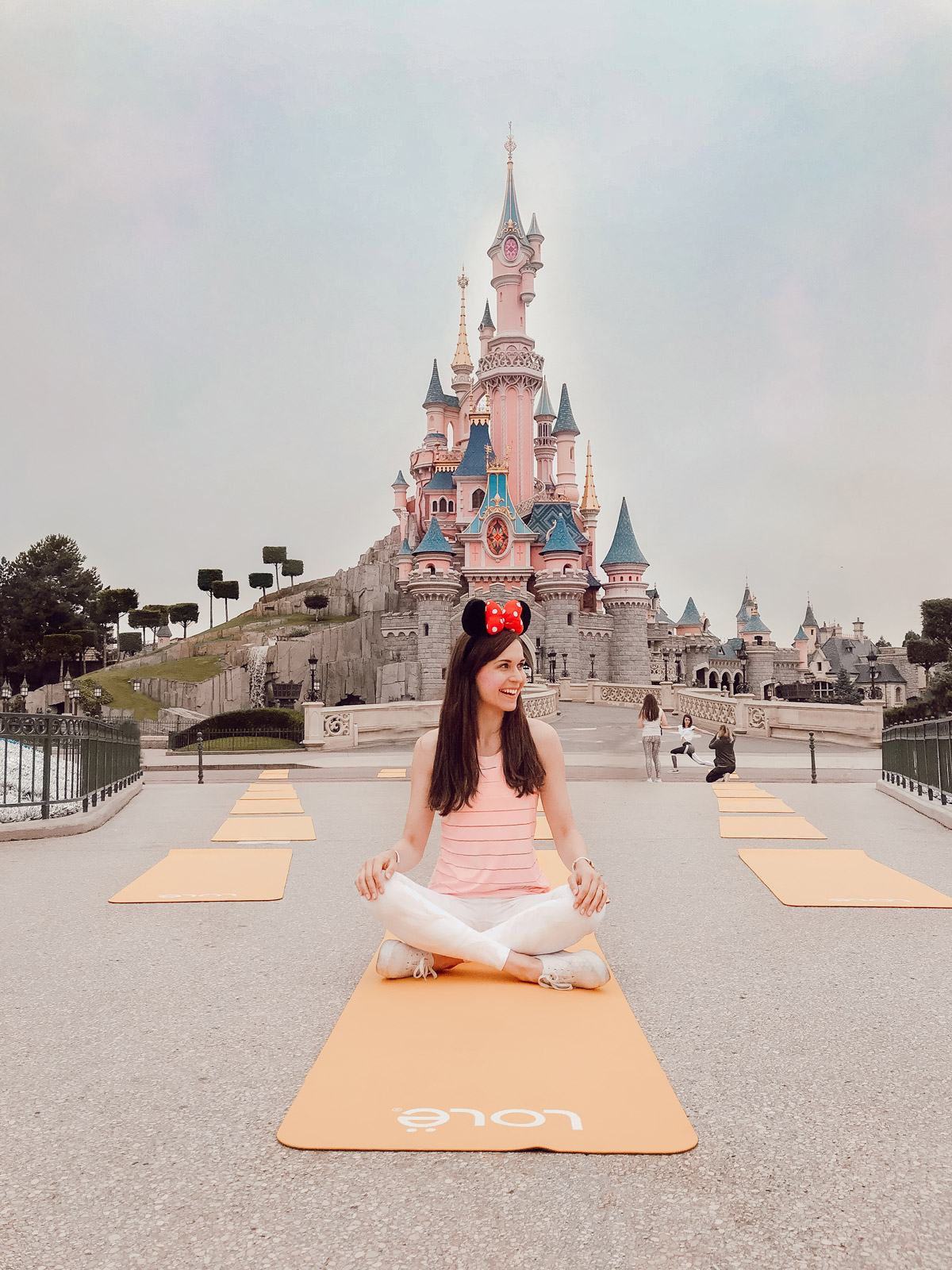 disney-yoga-paris-lole