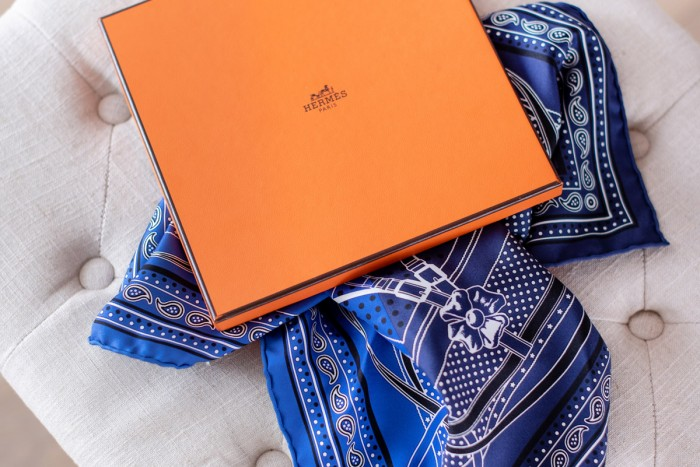 bandana-hermes-bleu-grand-manege-blog