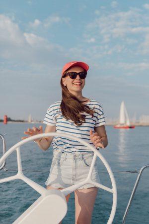 Notre balade en voilier avec le service Navigation Accompagnée - Daphné Moreau - Mode and The City