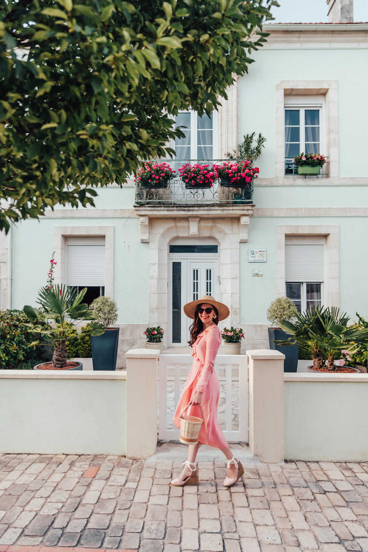 mode-and-the-city-la-rochelle-look-ete-robe-rose-castaner-9