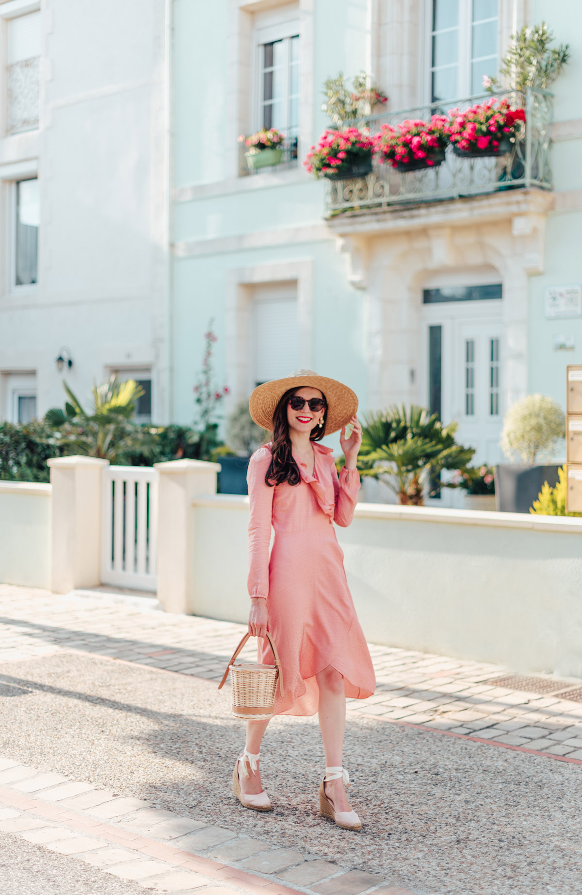 mode-and-the-city-la-rochelle-look-ete-robe-rose-castaner