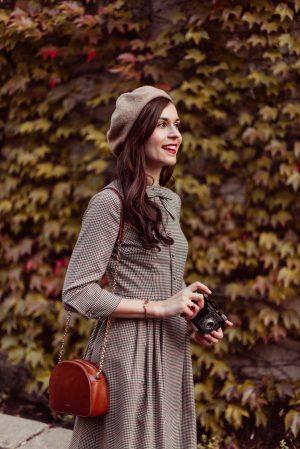 La robe à carreaux idéale pour cet automne - Daphné Moreau - Mode and The City