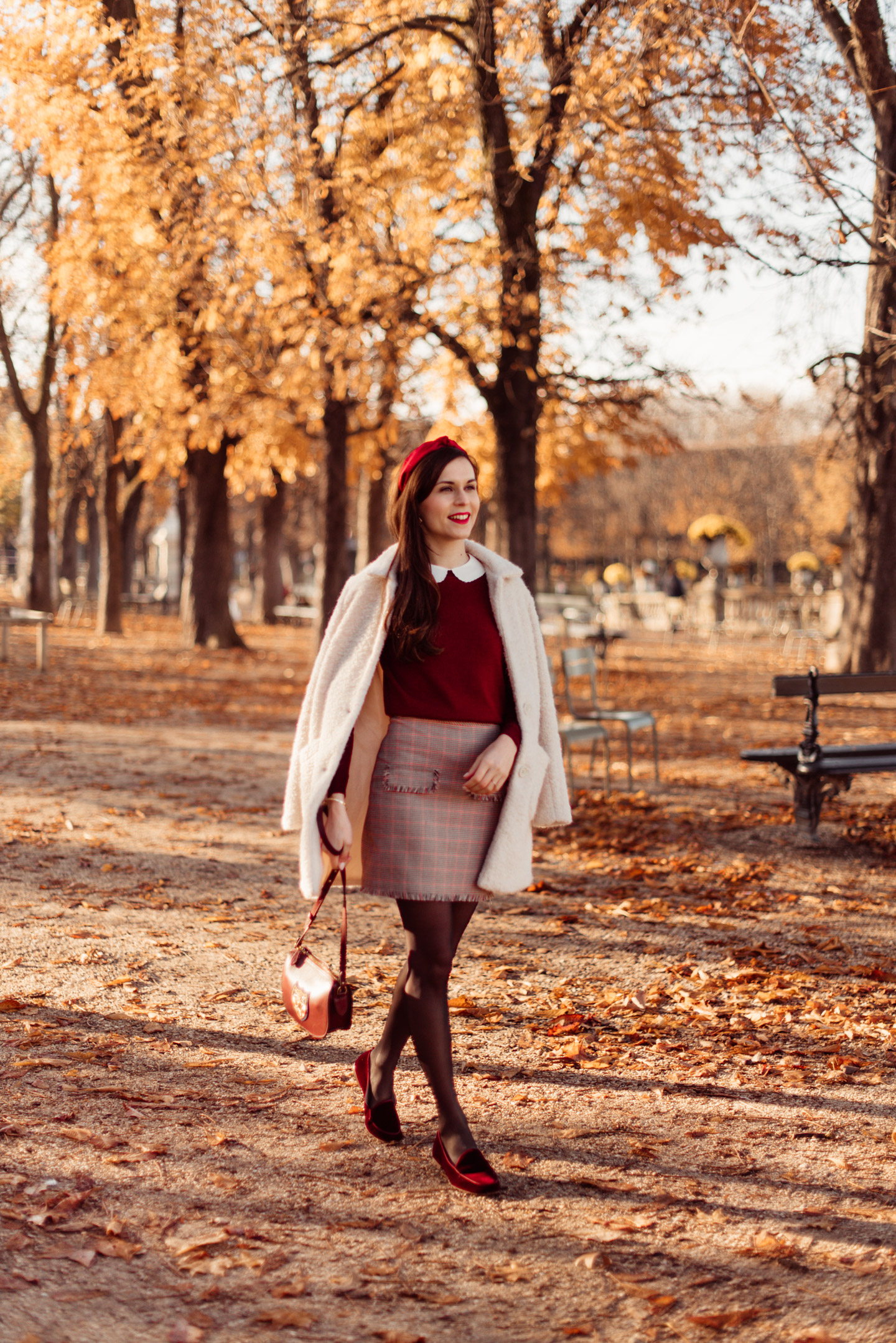 mode-and-the-city-jardin-du-luxembourg-pull-aaron-sezane-2