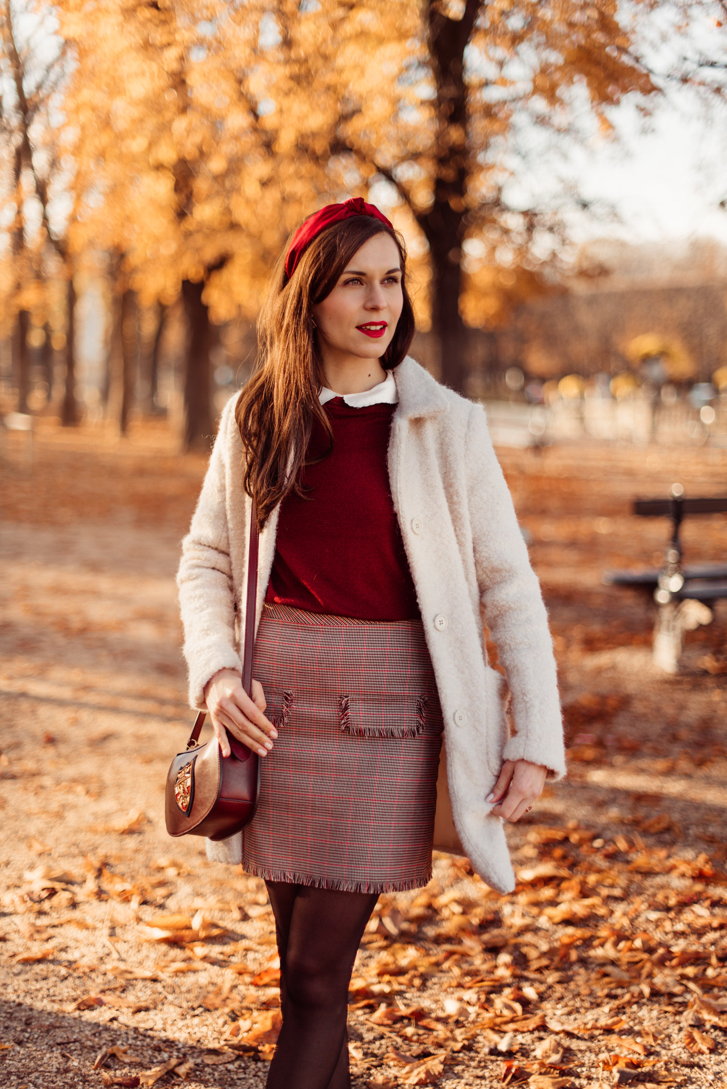 mode-and-the-city-jardin-du-luxembourg-pull-aaron-sezane