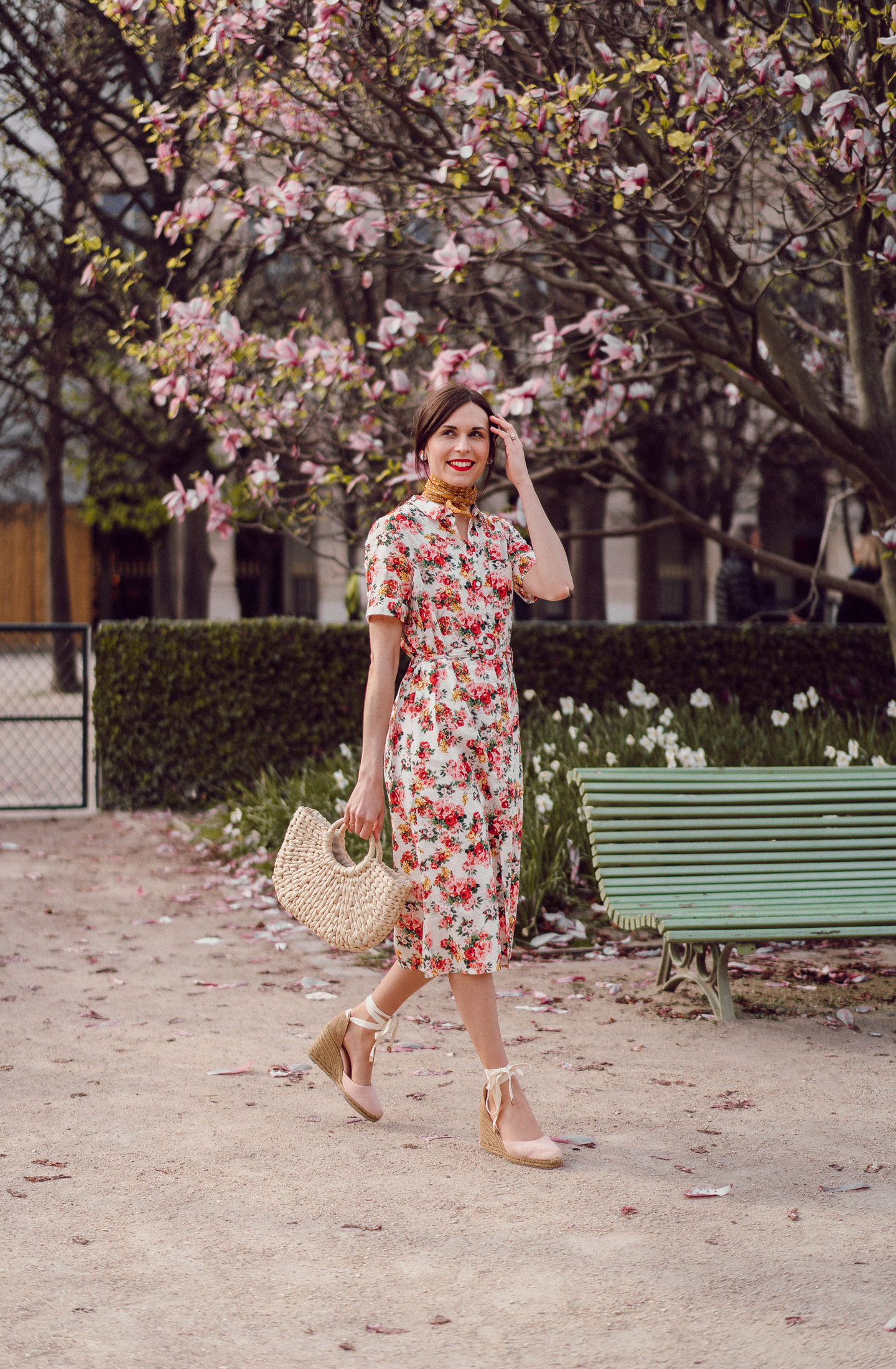 daphne-moreau-mode-and-the-city--palais-royal-robe-sezane-lexia-10