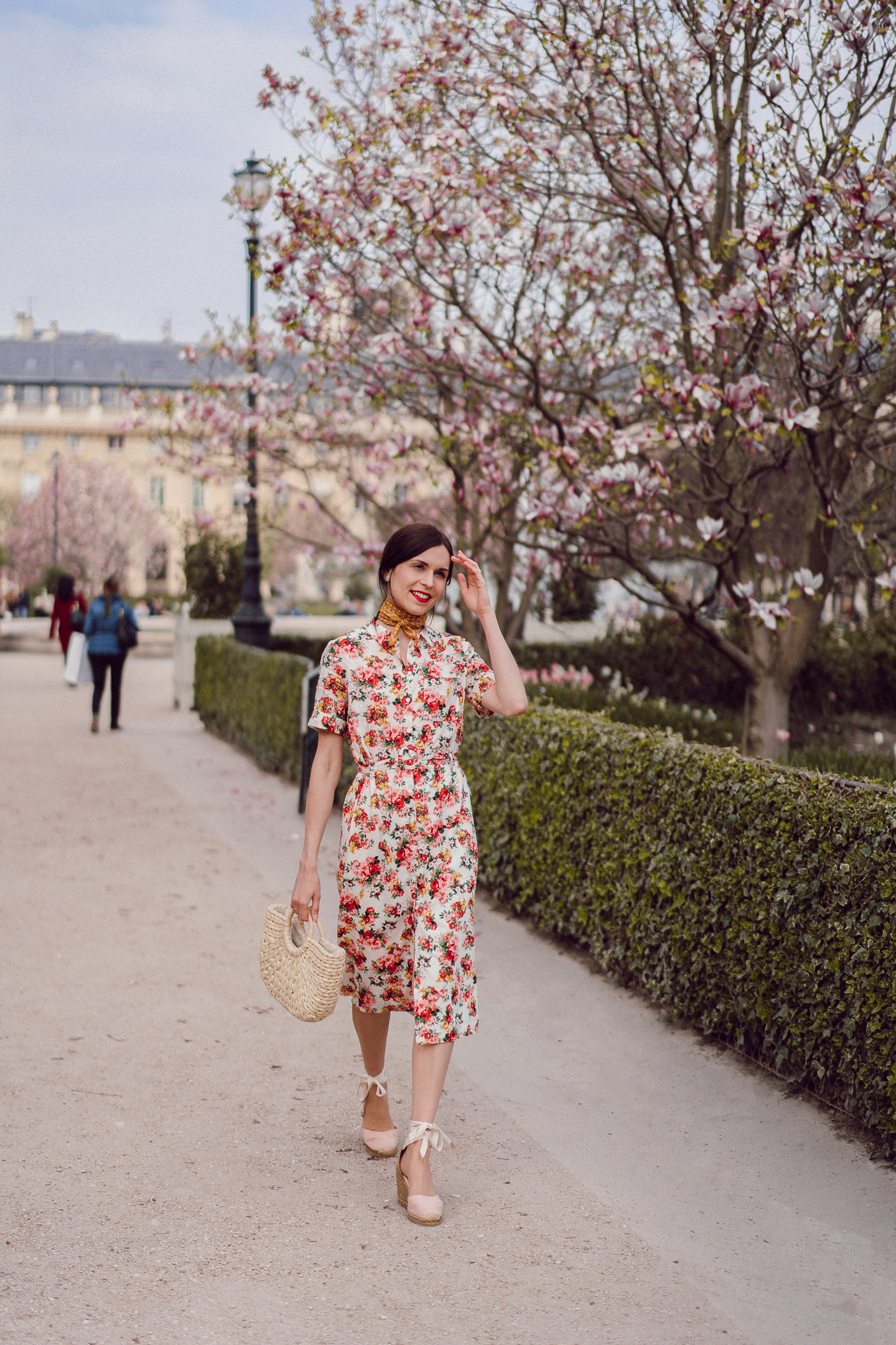 daphne-moreau-mode-and-the-city--palais-royal-robe-sezane-lexia-12