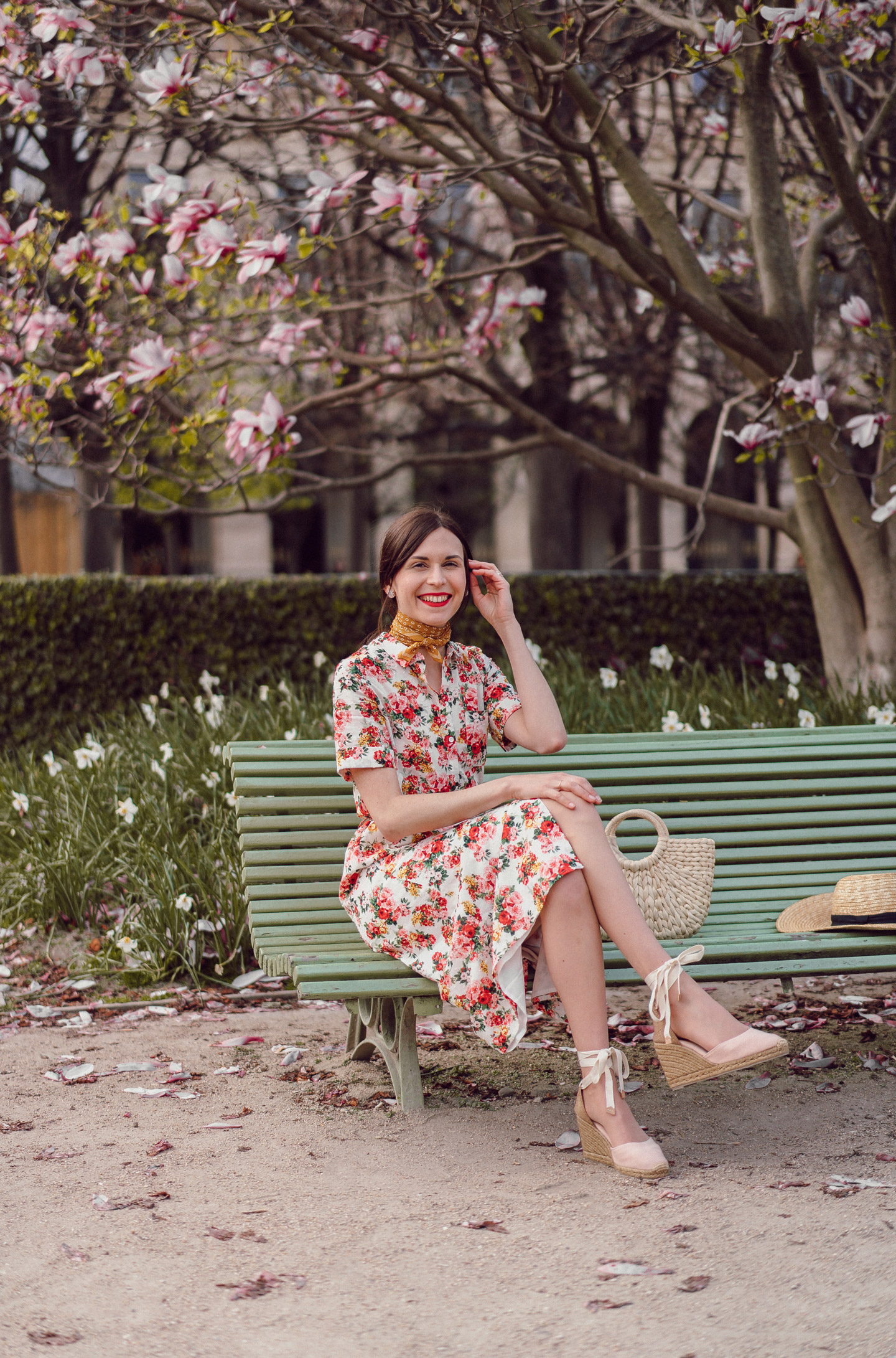 daphne-moreau-mode-and-the-city--palais-royal-robe-sezane-lexia-3