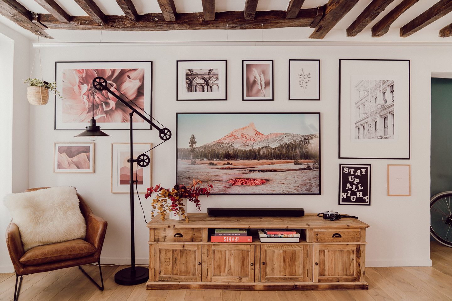 5-petites-choses-desenio-gallery-wall