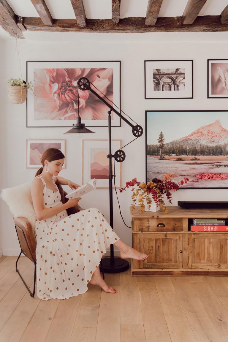 comment cr er un mur de cadres photos sans faire de trou. Black Bedroom Furniture Sets. Home Design Ideas