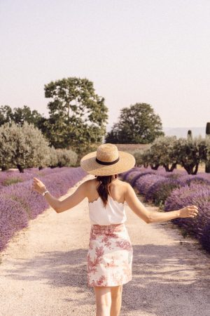 La Provence : Bonnieux, Apt, Lacoste et Lourmarin - Daphné Moreau - Mode and The City