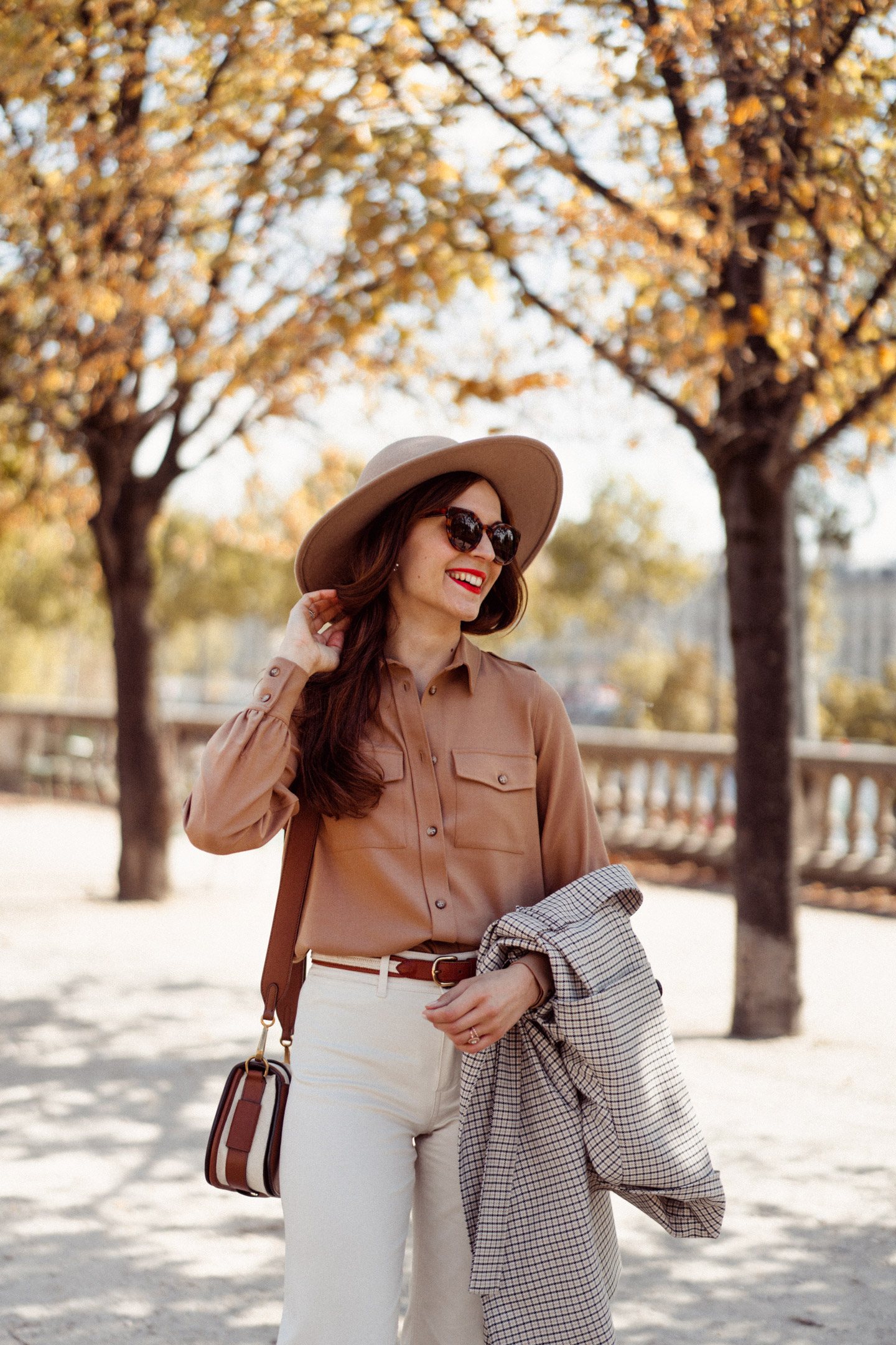 mode-and-the-city-tuileries-chemise-armelle-sezane-00022
