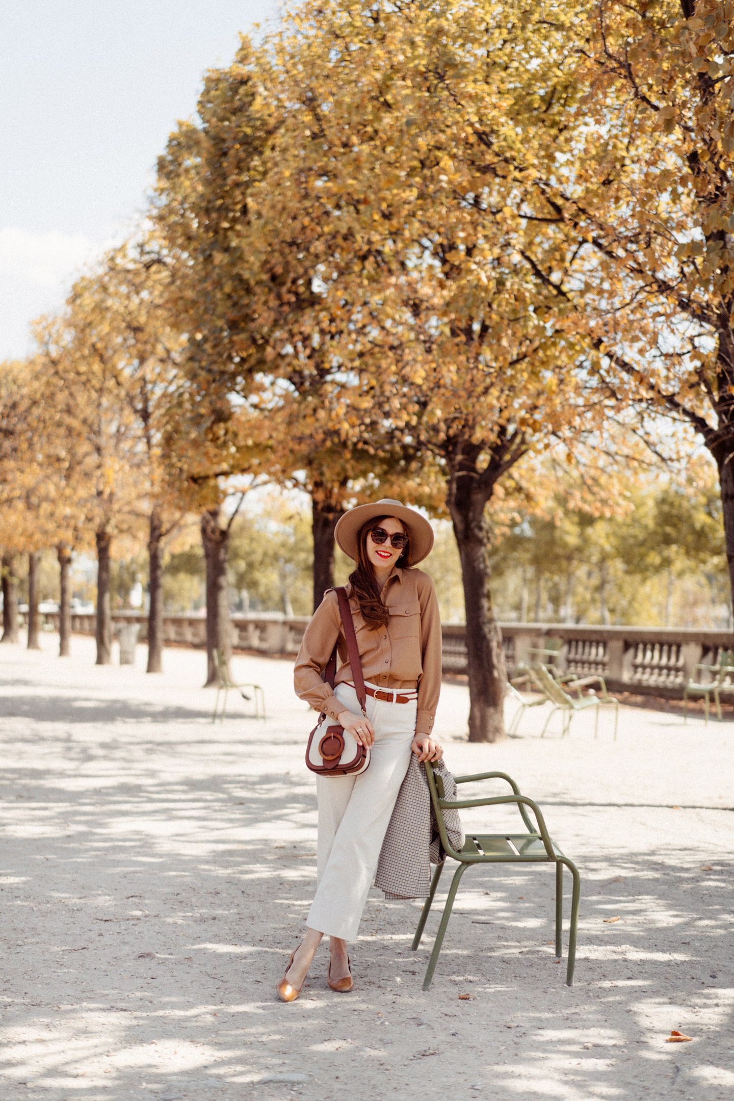mode-and-the-city-tuileries-chemise-armelle-sezane-00143