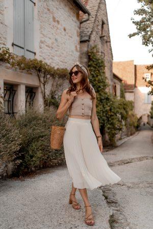 Le nouveau basique de ma garde-robe qui traverse les saisons : la jupe plissée - Daphné Moreau - Mode and The City